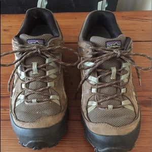 Patagonia drifter low hikers